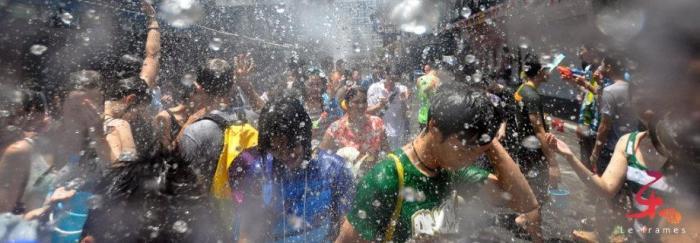 Songkran-Splash_-Silom-Bangkok-Thailand_Fattzai